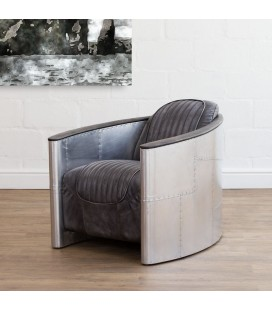 Spitfire Chair - Distressed Black